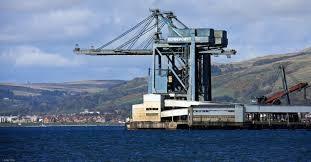 Băng tải cầu cảng  sử dụng để vận chuyển hàng hóa