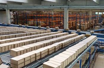 Băng tải con lăn dễ dàng vận chuyển ứng dụng rộng rãi trong công nghiệp