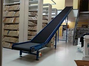 Băng tải góc nghiêng và những lưu ý cần biết cho nhà máy nhà xưởng