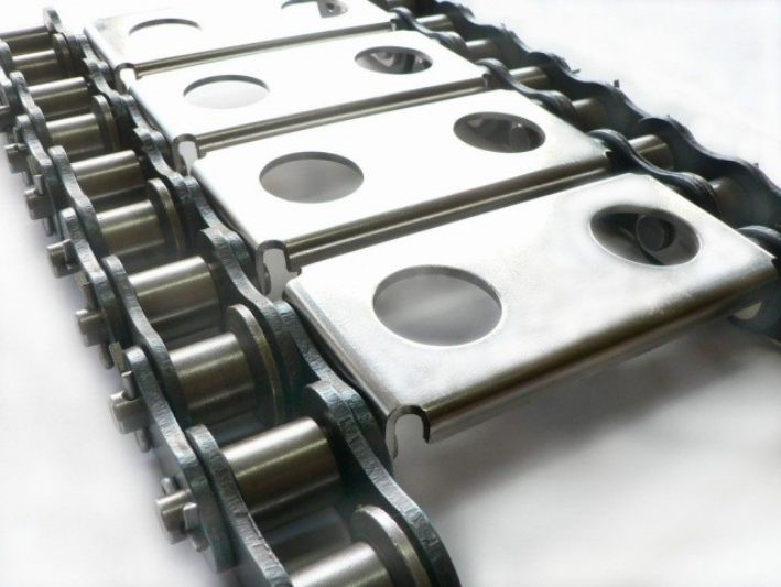 So sánh và phân biệt băng tải lưới inox và băng tải xích inox