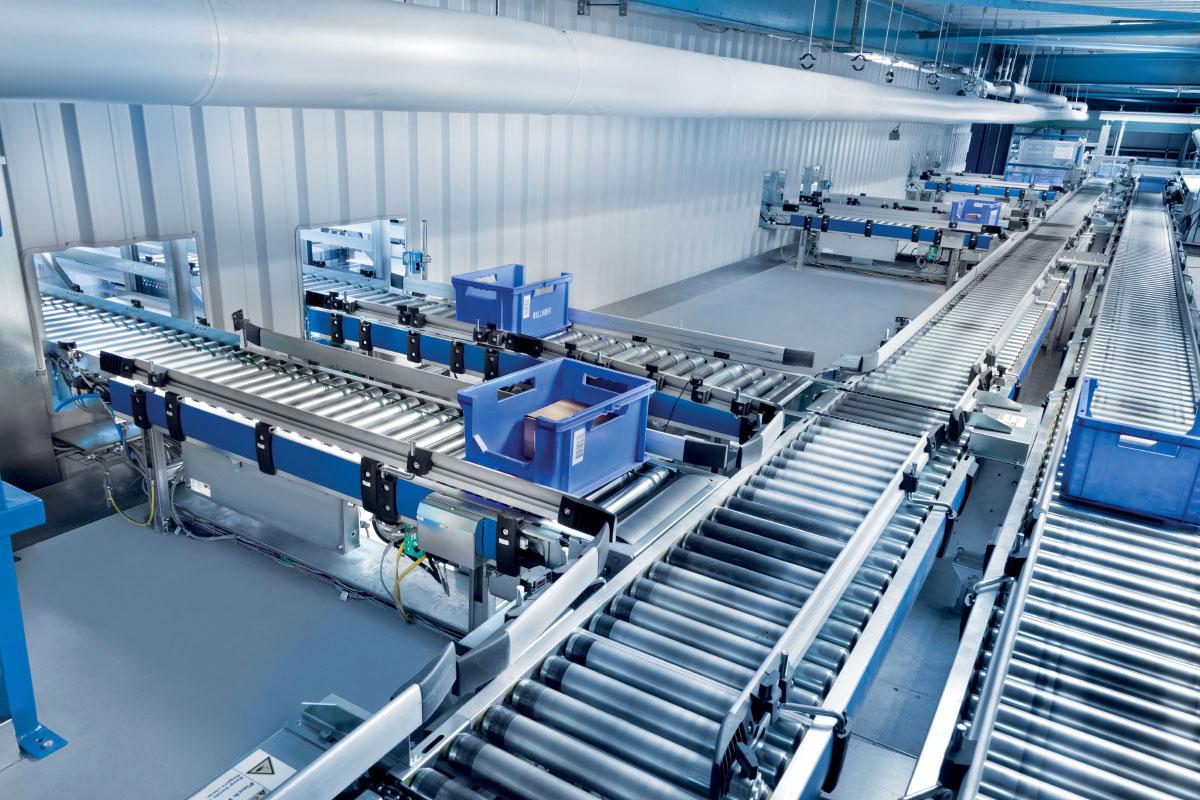 Tầm quan trọng của hệ thống băng tải lắp ráp linh kiện trong ngành công nghiệp điện tử hiện đại