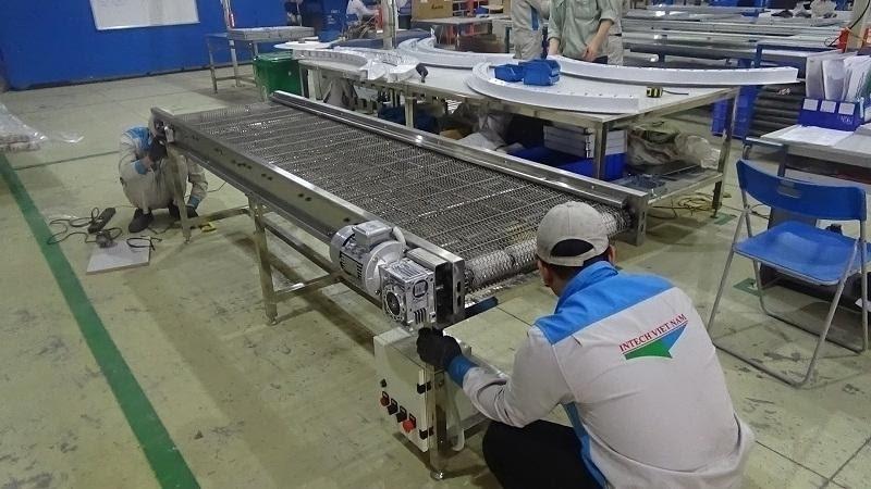 Tính đa nhiệm của băng tải hàng trong ngành công nghiệp hiện nay