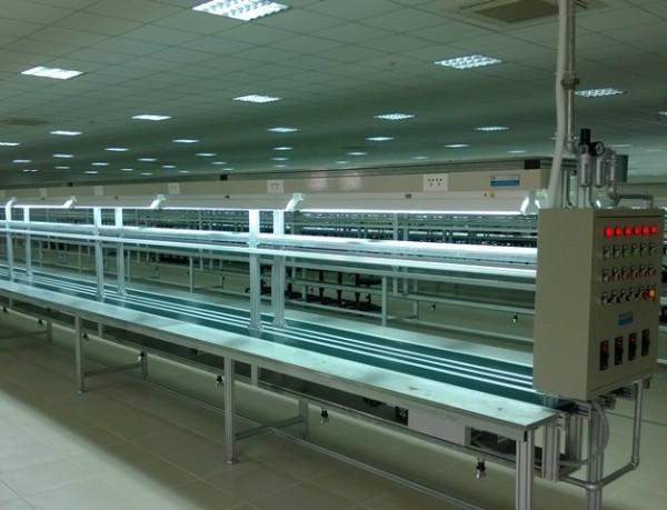 Tự động phân phối hàng loạt ngành hàng với hệ thống băng tải