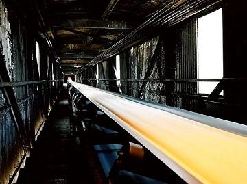 Ứng dụng băng tải chịu dầu trong ngành công nghiệp
