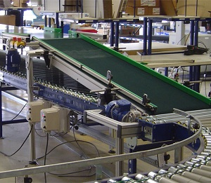 Ứng dụng của băng chuyền cong vào sản xuất